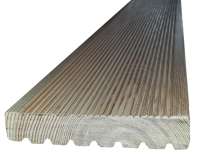 Larch decking 675×534